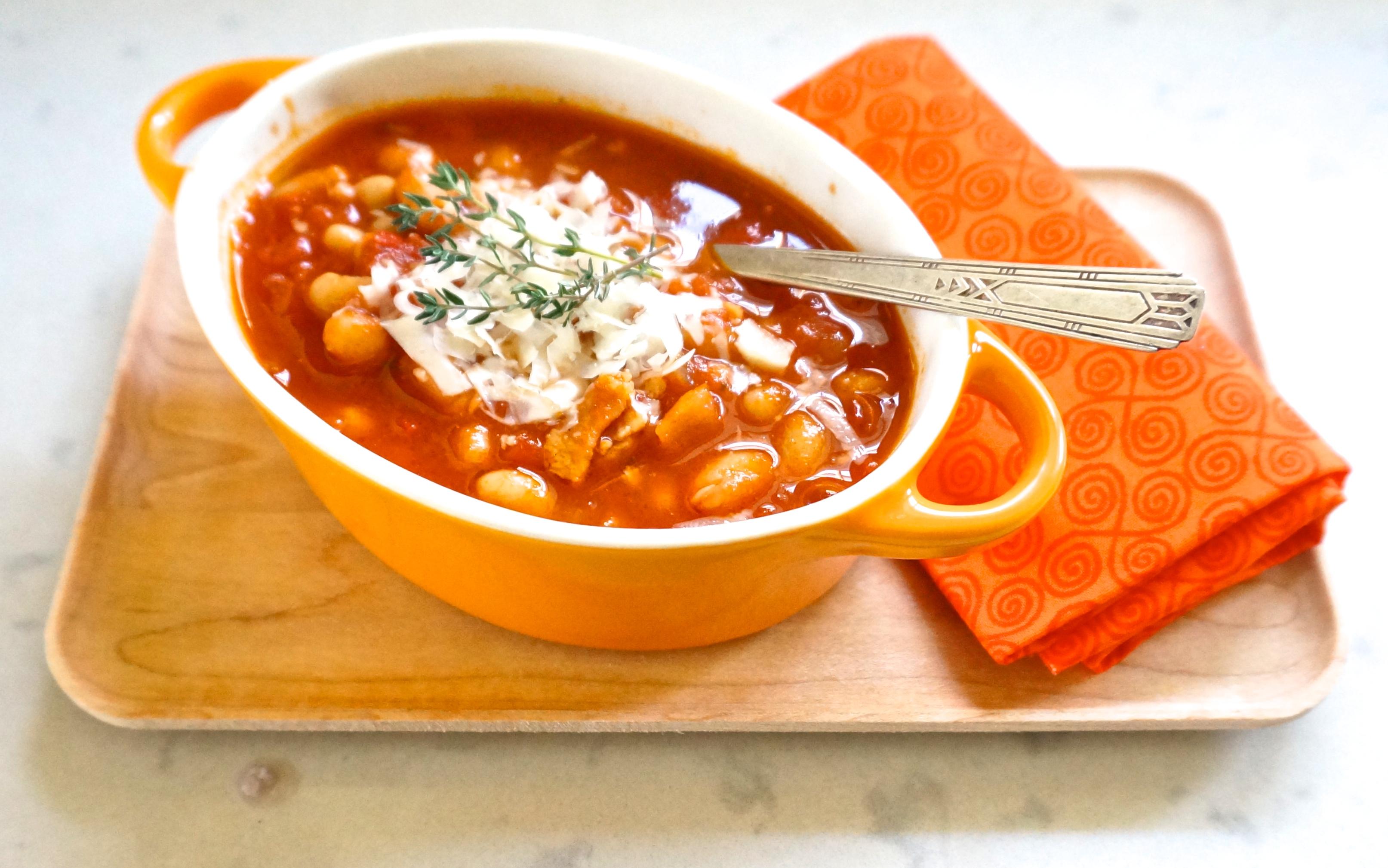 White Bean & Bacon Tomato Soup | The Thankful Heart